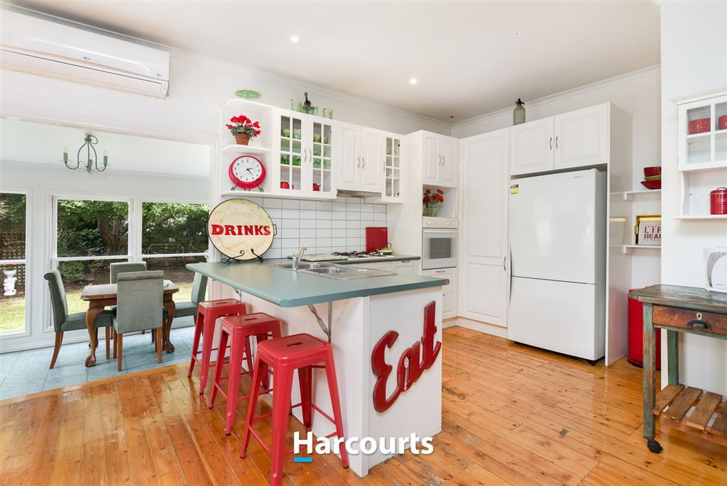 36 Woods Street, Beaconsfield VIC 3807, Image 2