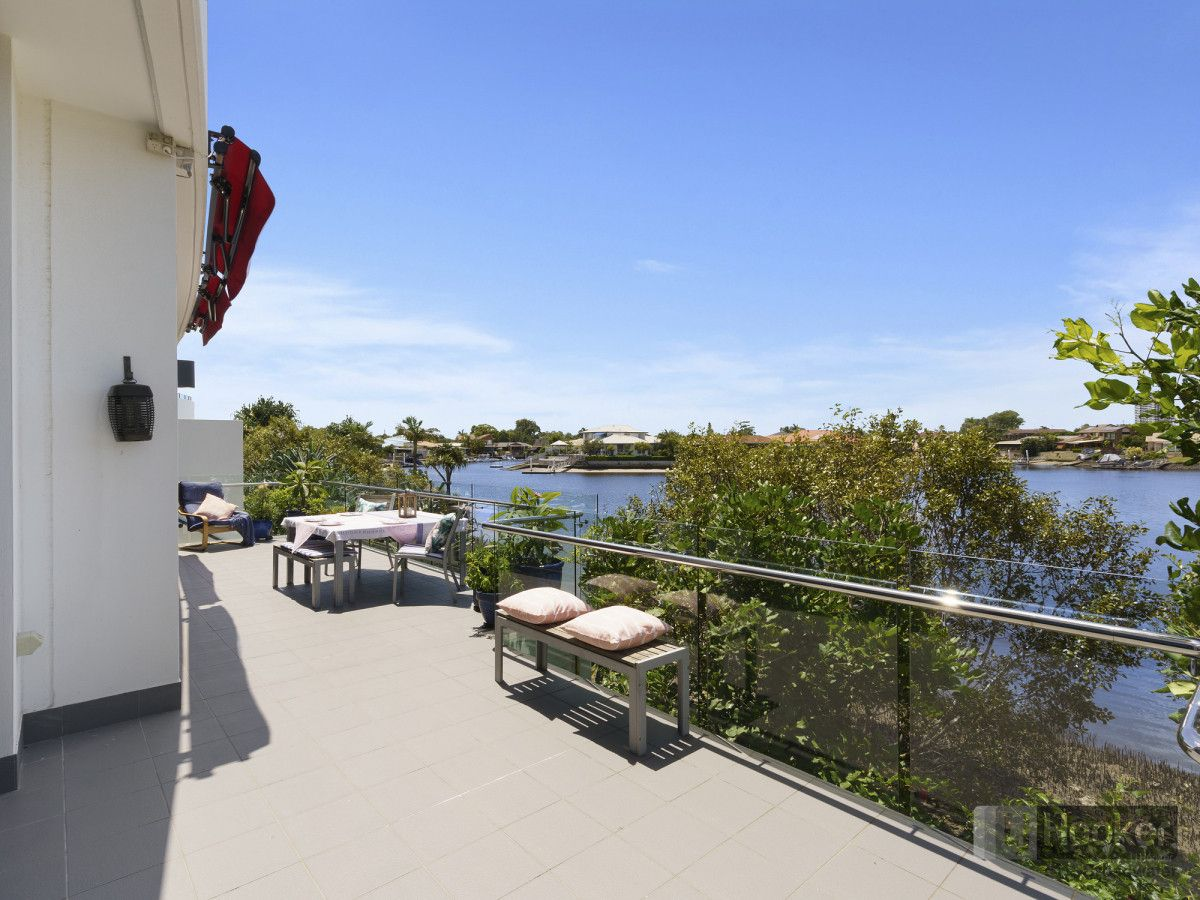 2002/5 Harbour Side Court, Biggera Waters QLD 4216, Image 1