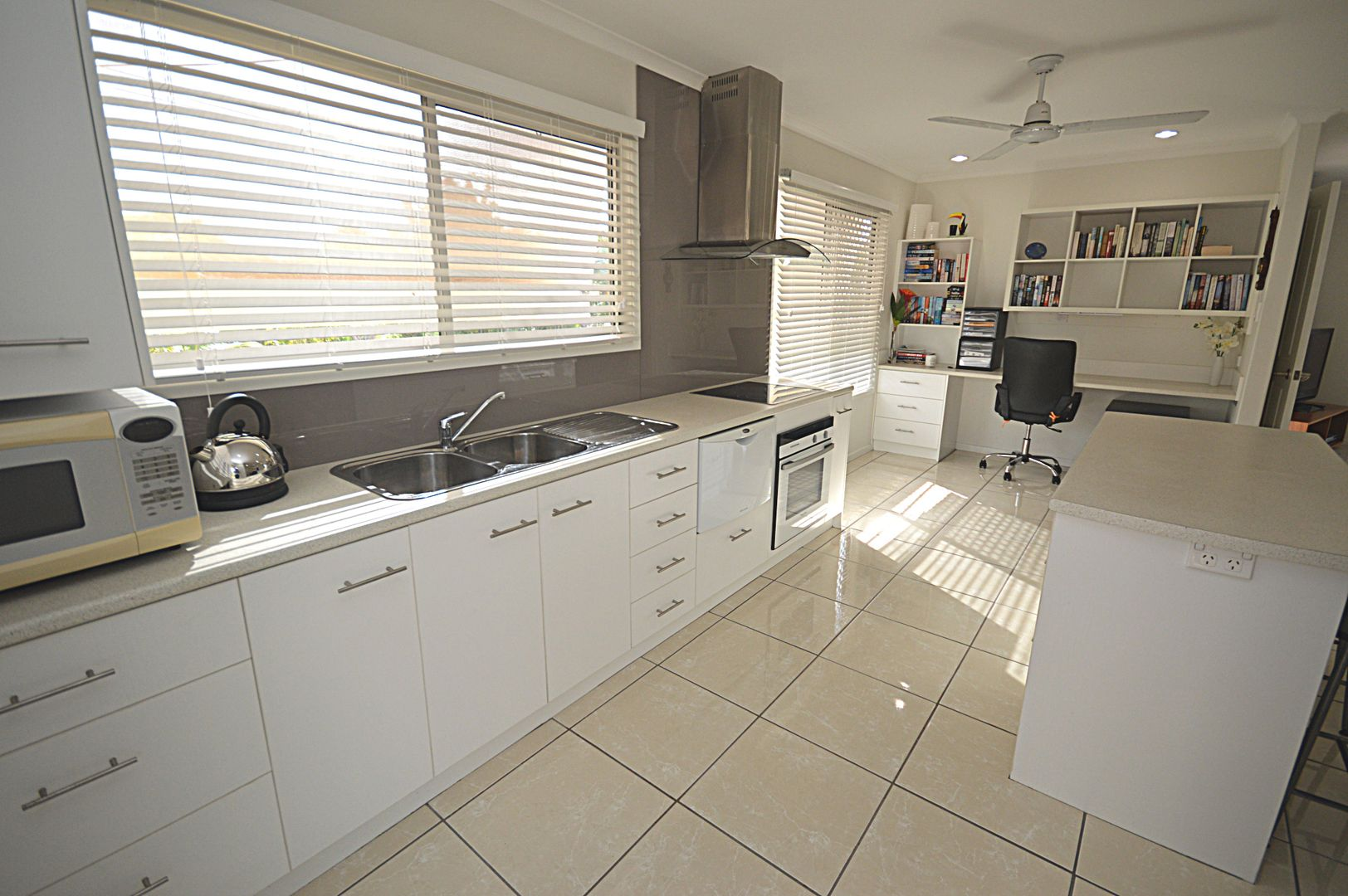 64 Hibiscus Street, Urangan QLD 4655, Image 1