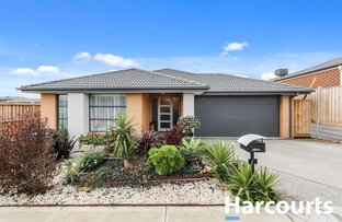 9 Carberry Drive, Clyde North VIC 3978