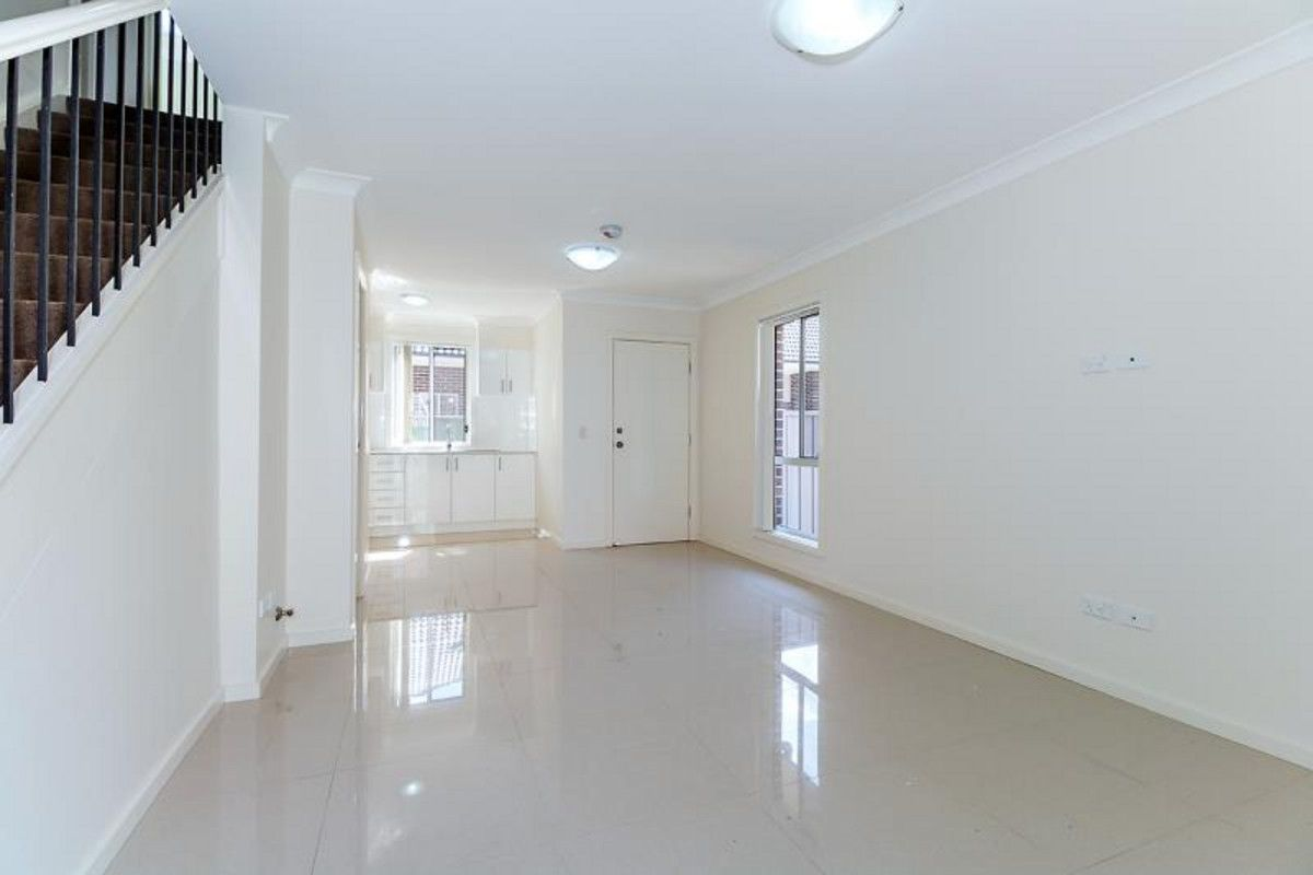 2/4 Braddon Street, Oxley Park NSW 2760, Image 1