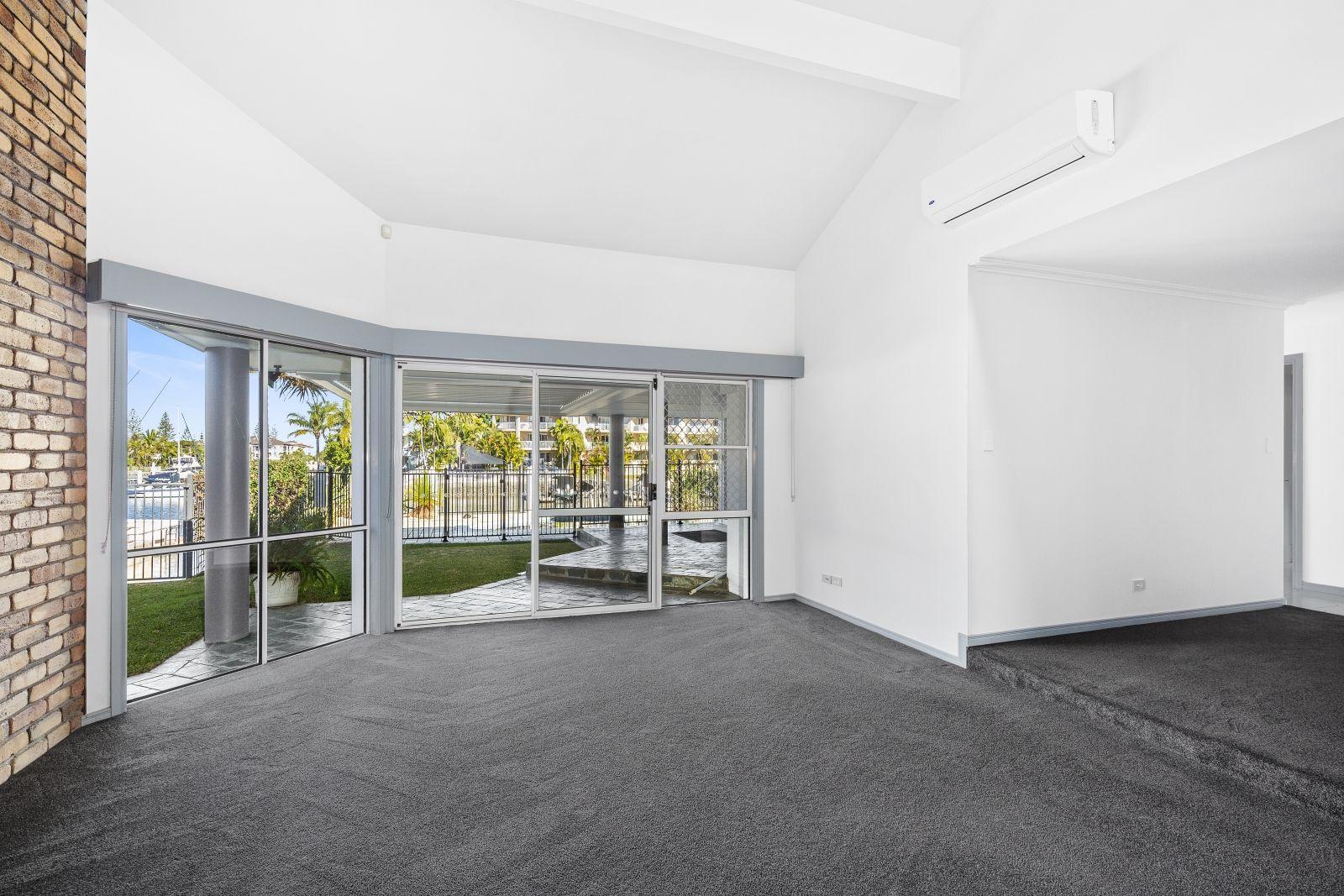 12 Jennifer Ave, Runaway Bay QLD 4216, Image 1