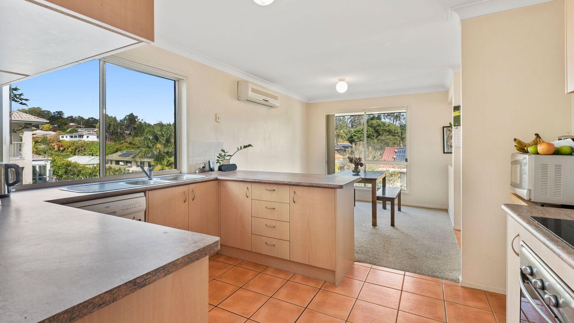 22 Scandia Street, Kenmore QLD 4069, Image 2