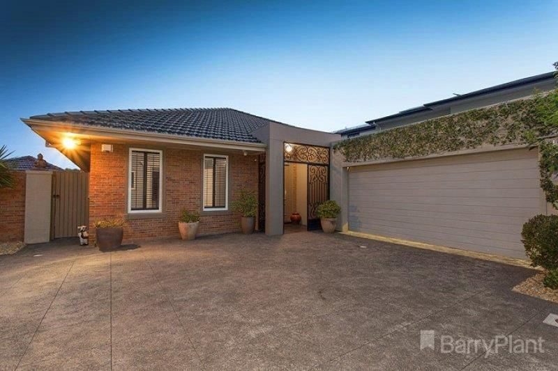 4 Island Point Avenue, Waterways VIC 3195, Image 1