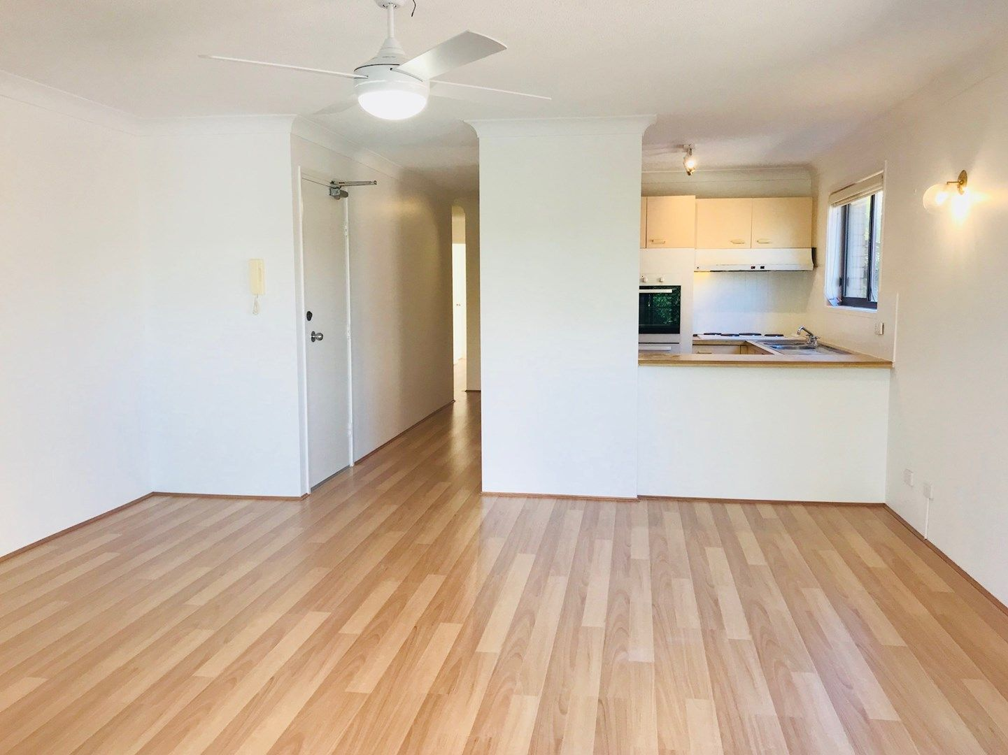 4/21 Australia Avenue, Broadbeach QLD 4218, Image 0