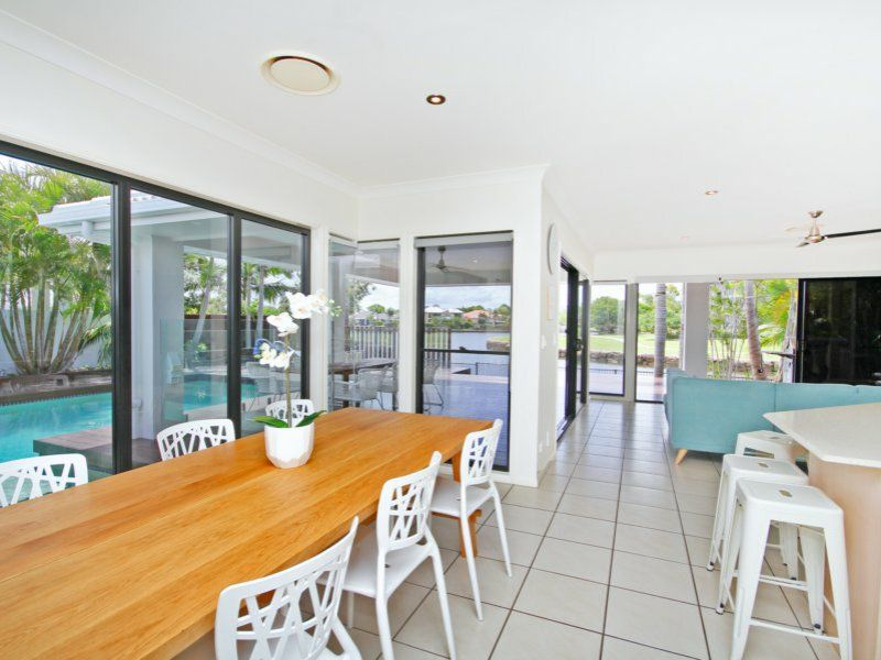 6 Waterfront Court, Twin Waters QLD 4564, Image 2
