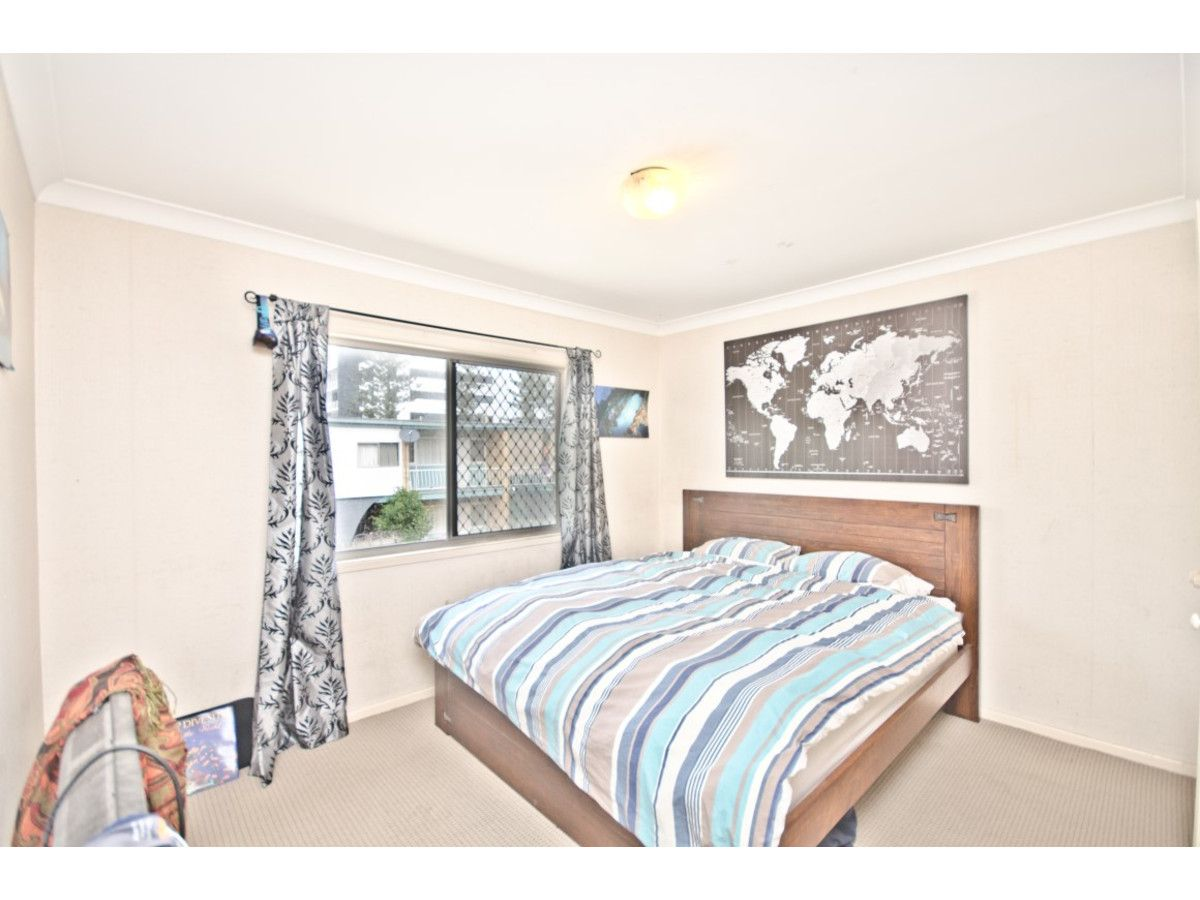 3/16 Anne Avenue, Broadbeach QLD 4218, Image 2