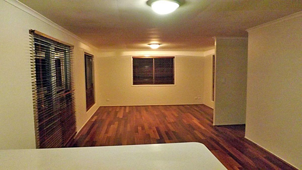 12 Shiraz Court, Kingston QLD 4114, Image 2