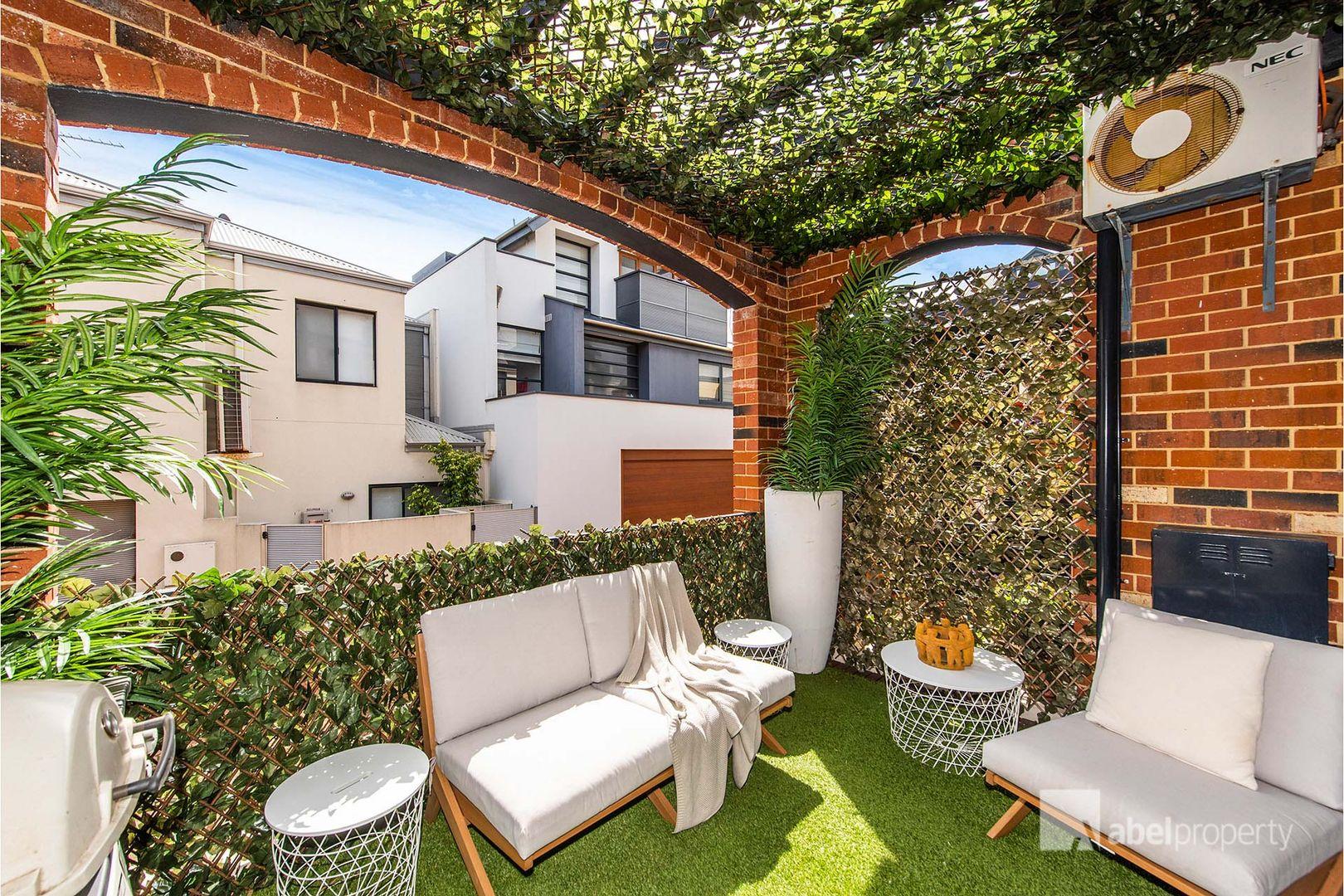 9/4 Hicks  Street, North Fremantle WA 6159, Image 1