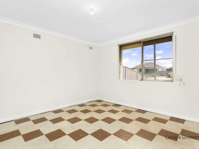 6 Peel Street, Canley Heights NSW 2166, Image 2