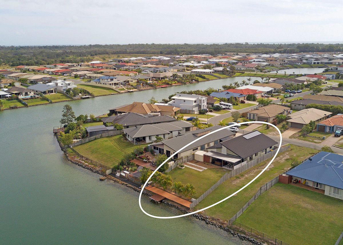 34 Earl St Vincent Circuit, Eli Waters QLD 4655, Image 2
