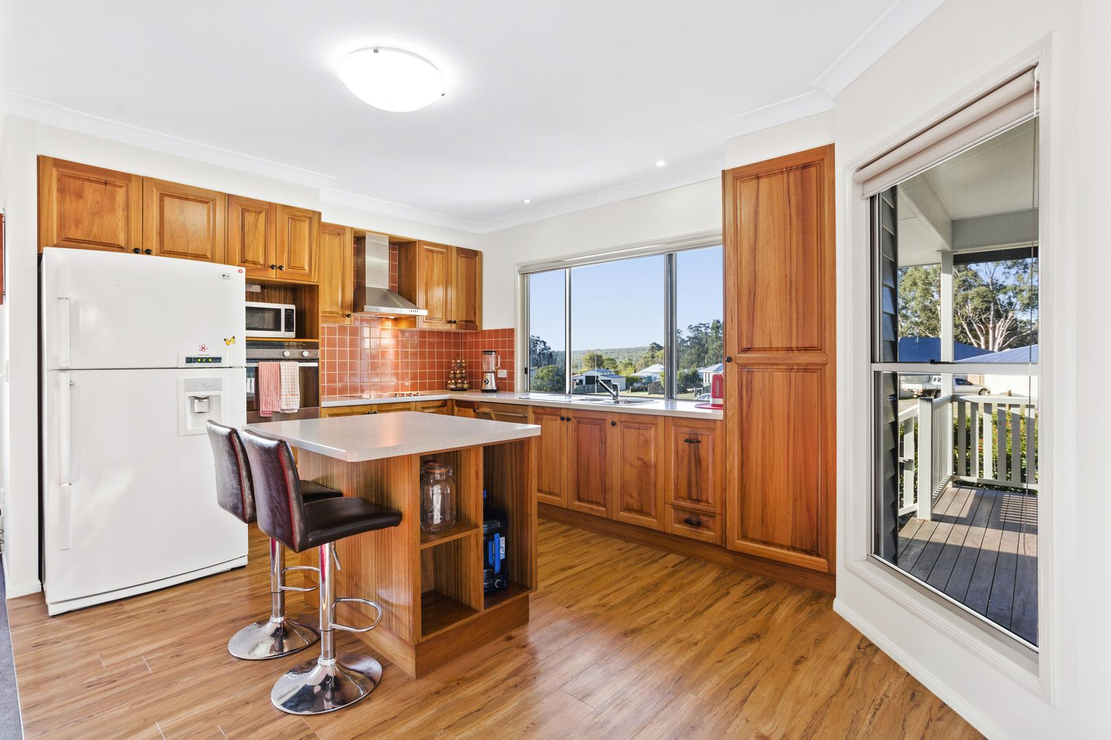 17 Samuel Ave, Crows Nest QLD 4355, Image 2