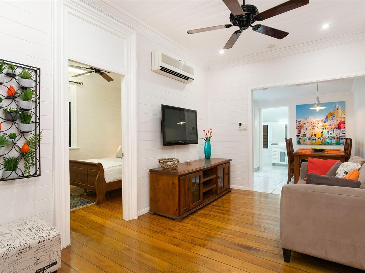 10 Dollisson Street, Manunda QLD 4870, Image 0
