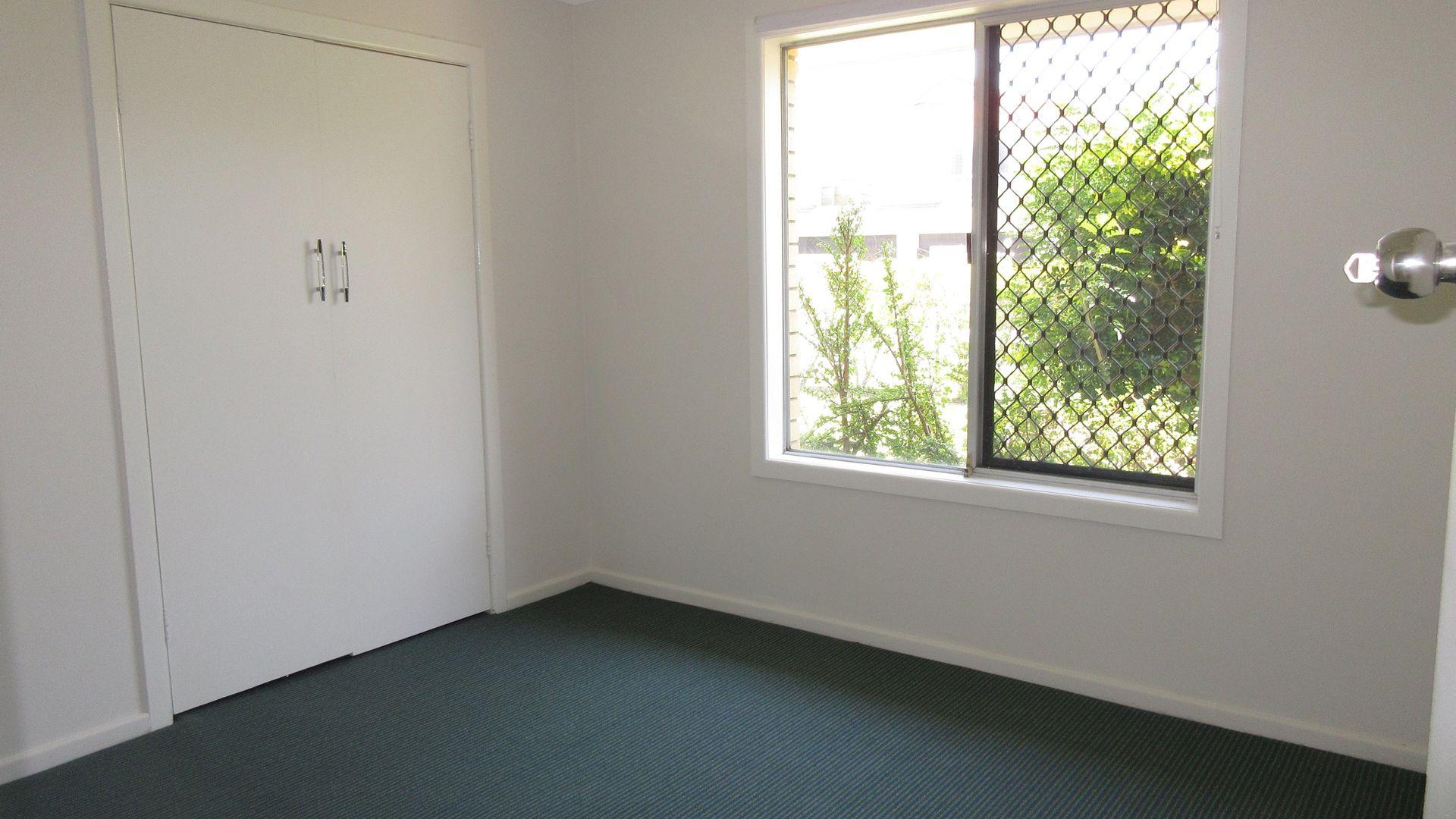 24 Burra Street, Chevron Island QLD 4217, Image 1