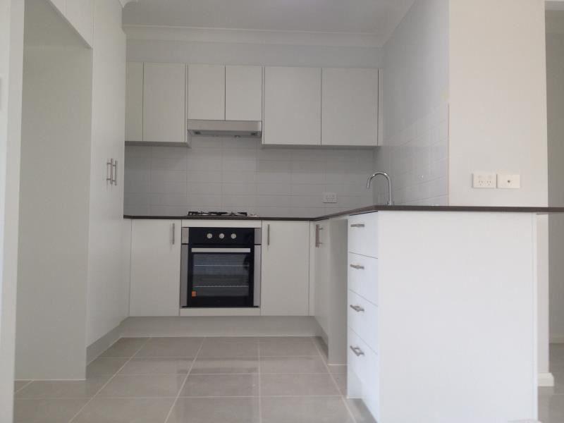 2 MCCABE PLACE, Rosemeadow NSW 2560, Image 2