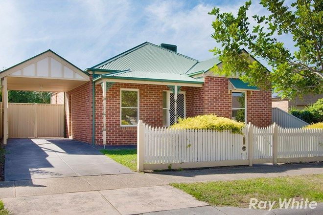 Picture of 8 Macalister Place, PAKENHAM VIC 3810