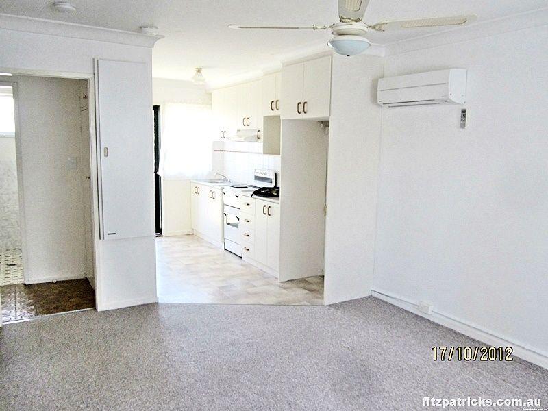 2/11 Nordlingen Drive, Tolland NSW 2650, Image 1