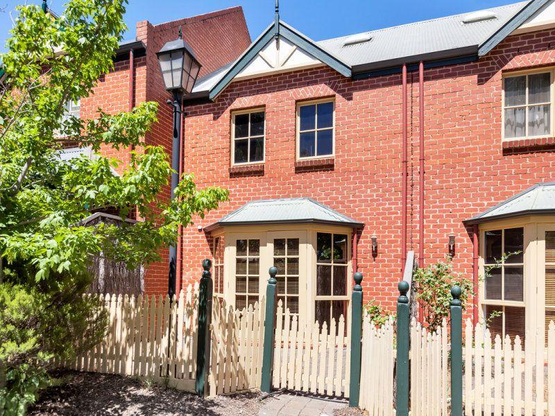 32 Grosvenor Place, Wynn Vale SA 5127, Image 0