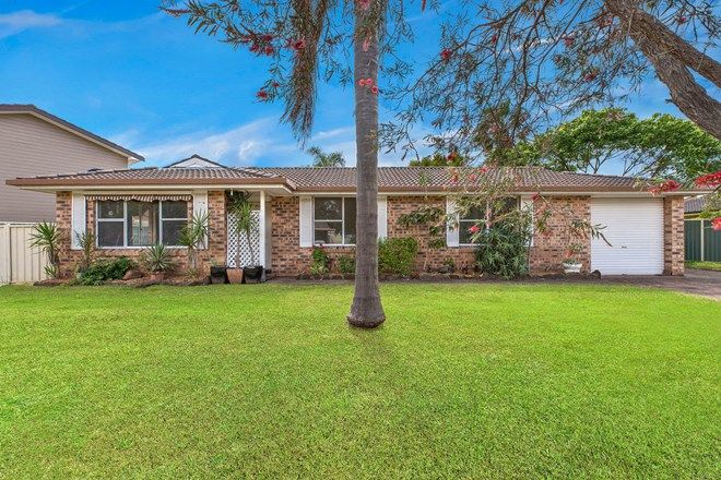 Picture of 3 Hawkesbury Close, BATEAU BAY NSW 2261