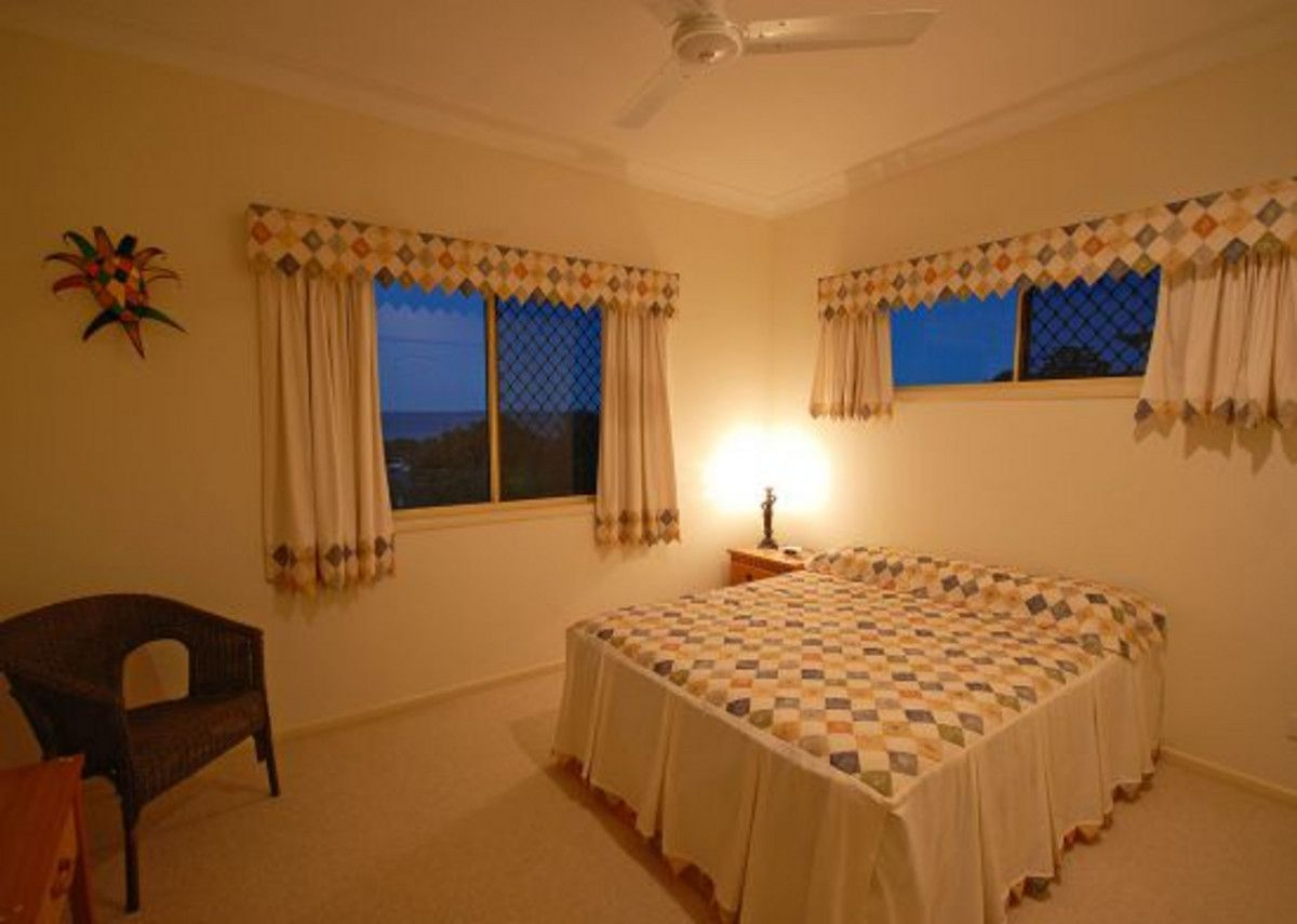9 Cove Boulevard, River Heads QLD 4655, Image 2