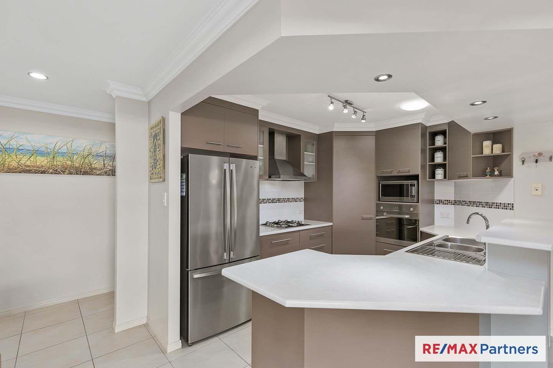 8 Summit Ridge Drive, Nikenbah QLD 4655, Image 1