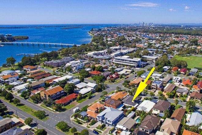 Picture of 2/23 Victor Avenue, PARADISE POINT QLD 4216