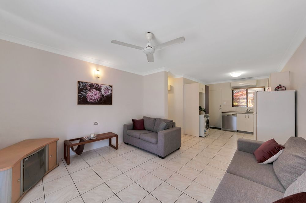 2/187 Lake Street, Cairns City QLD 4870, Image 2