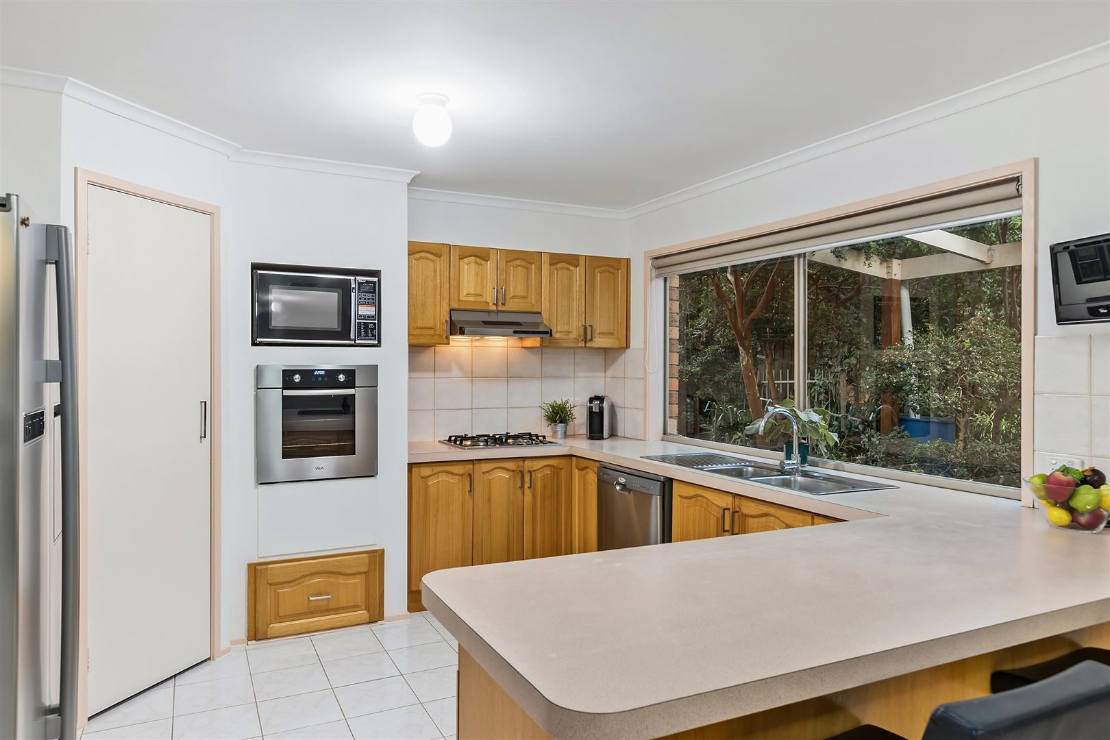 19 Airedale Way, Rowville VIC 3178, Image 2
