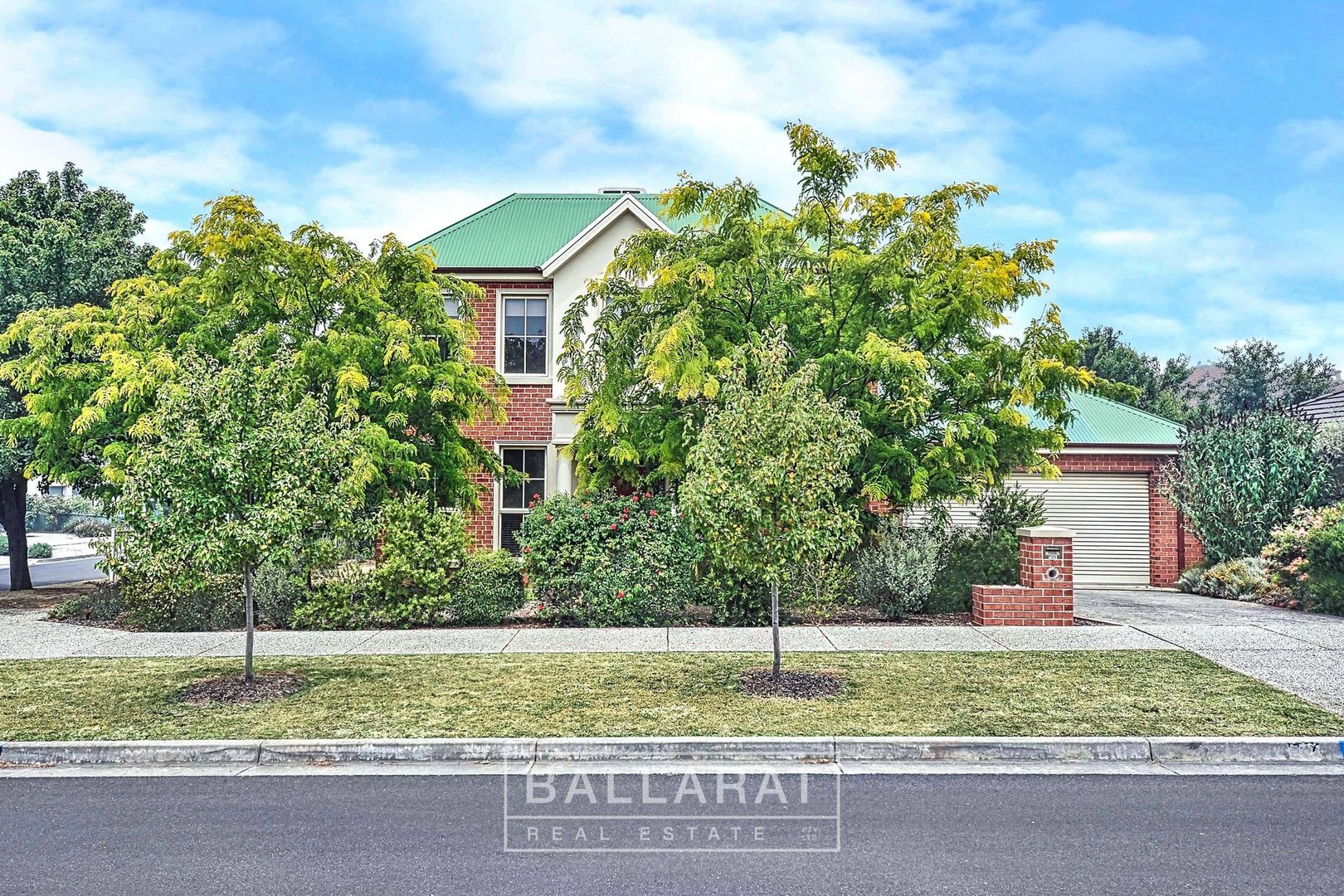 1 St Swindons Avenue, Lake Gardens VIC 3355, Image 0