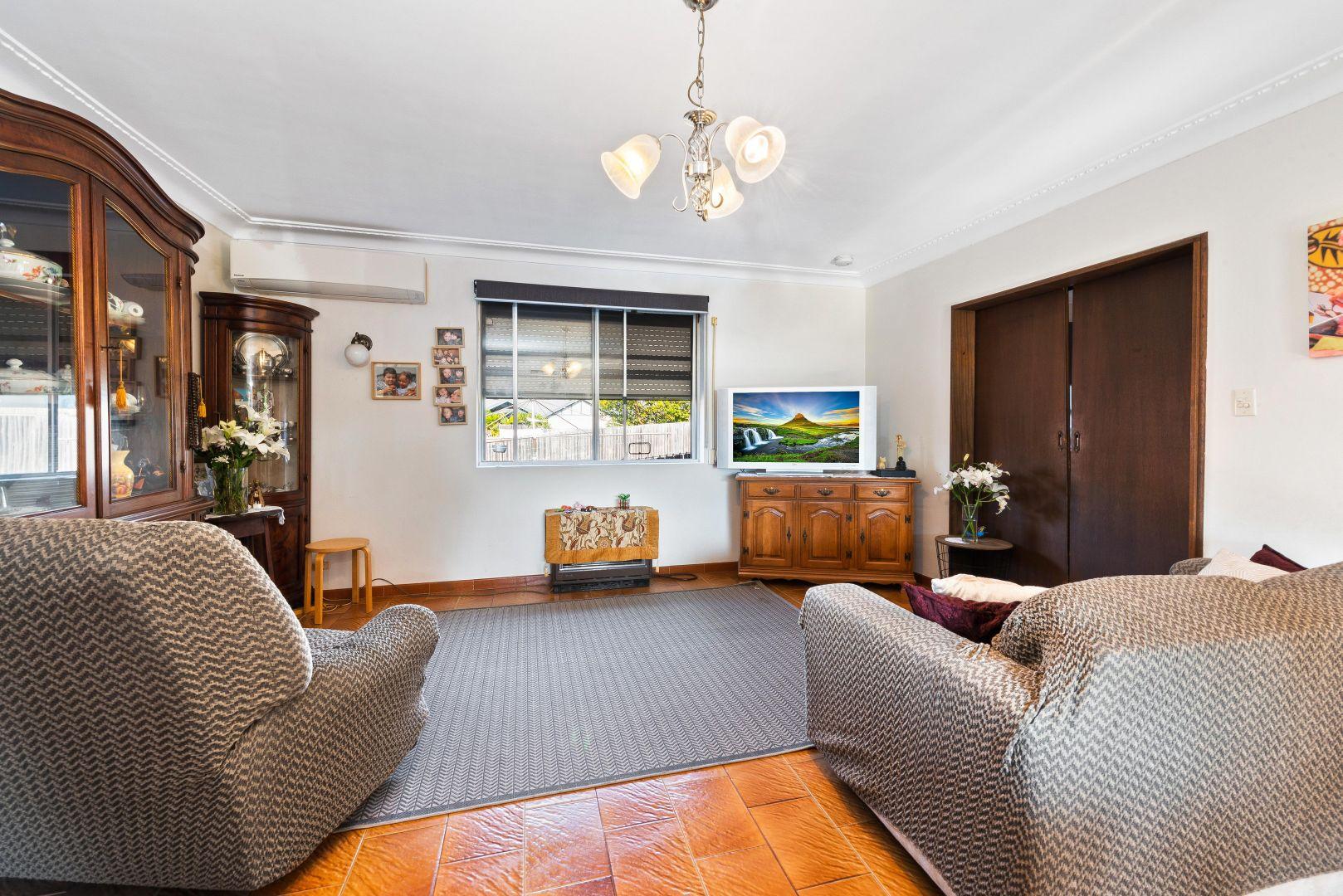 11 Higginbotham Road, Gladesville NSW 2111, Image 2