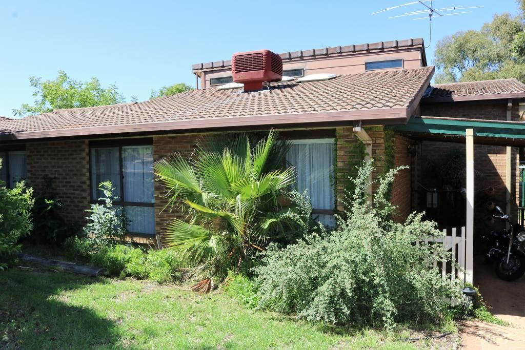 16 Keevil Drive, Young NSW 2594, Image 0