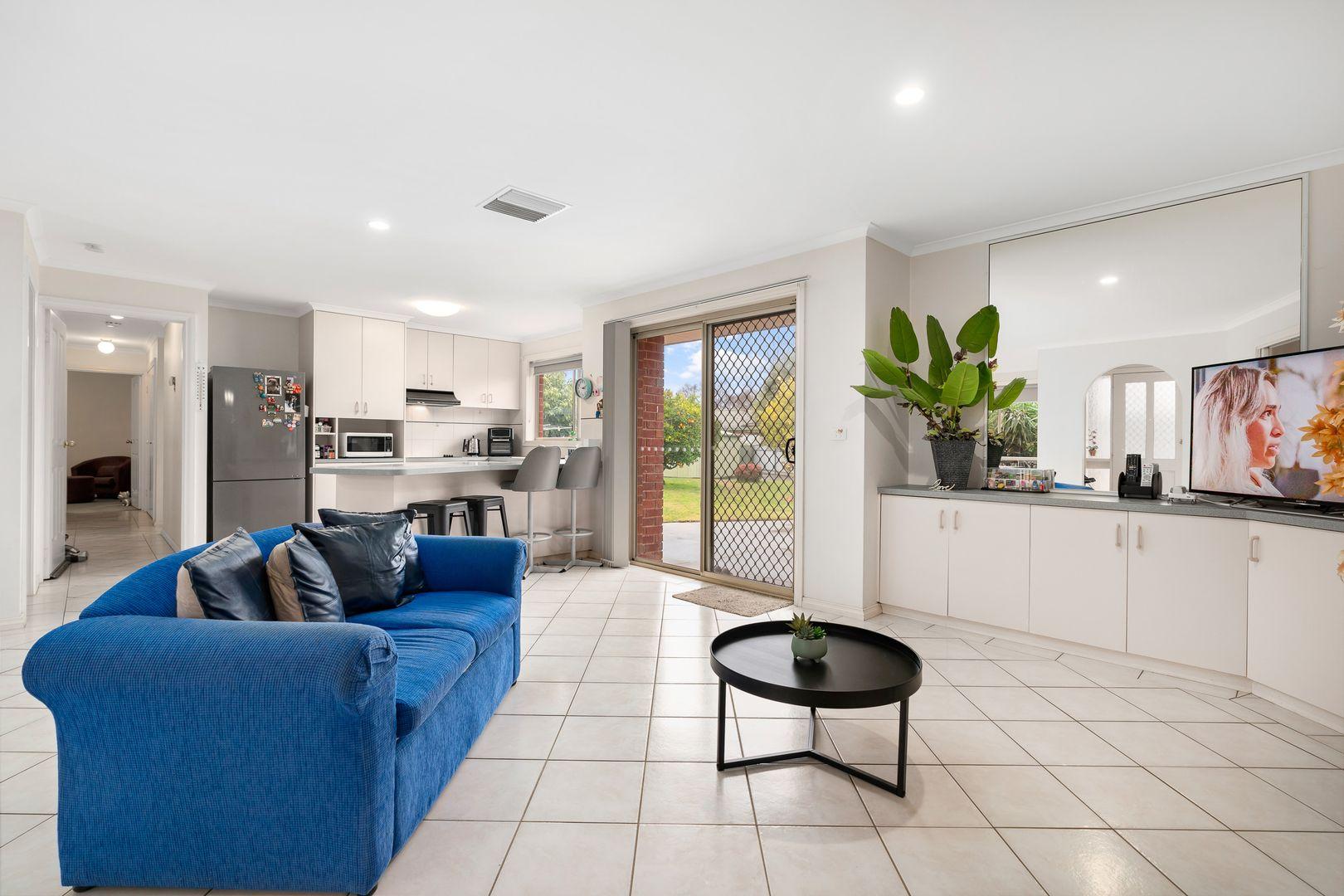 5 Condon Place, Lavington NSW 2641, Image 1