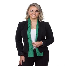 Chloe Sinclair, Sales representative