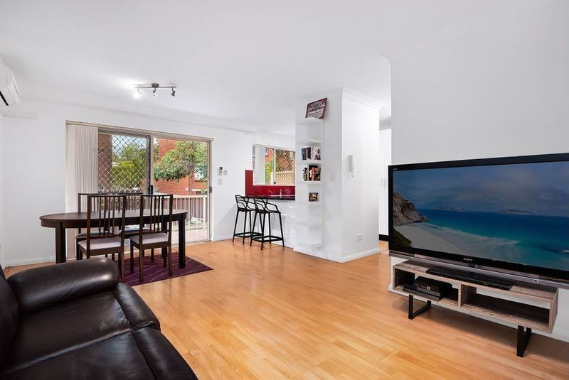 2/1 Hill Street, Marrickville NSW 2204, Image 2