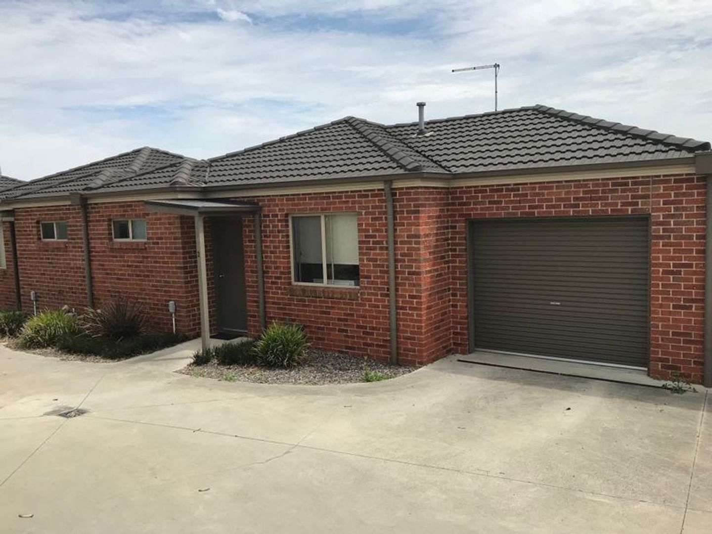 2/11 Highfield Court, Traralgon VIC 3844, Image 0