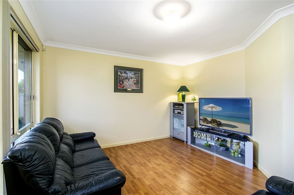 27 Bounty Crescent, Bligh Park NSW 2756, Image 2