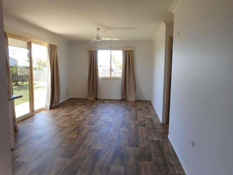 4 Mary Fox Street, Innes Park QLD 4670, Image 2