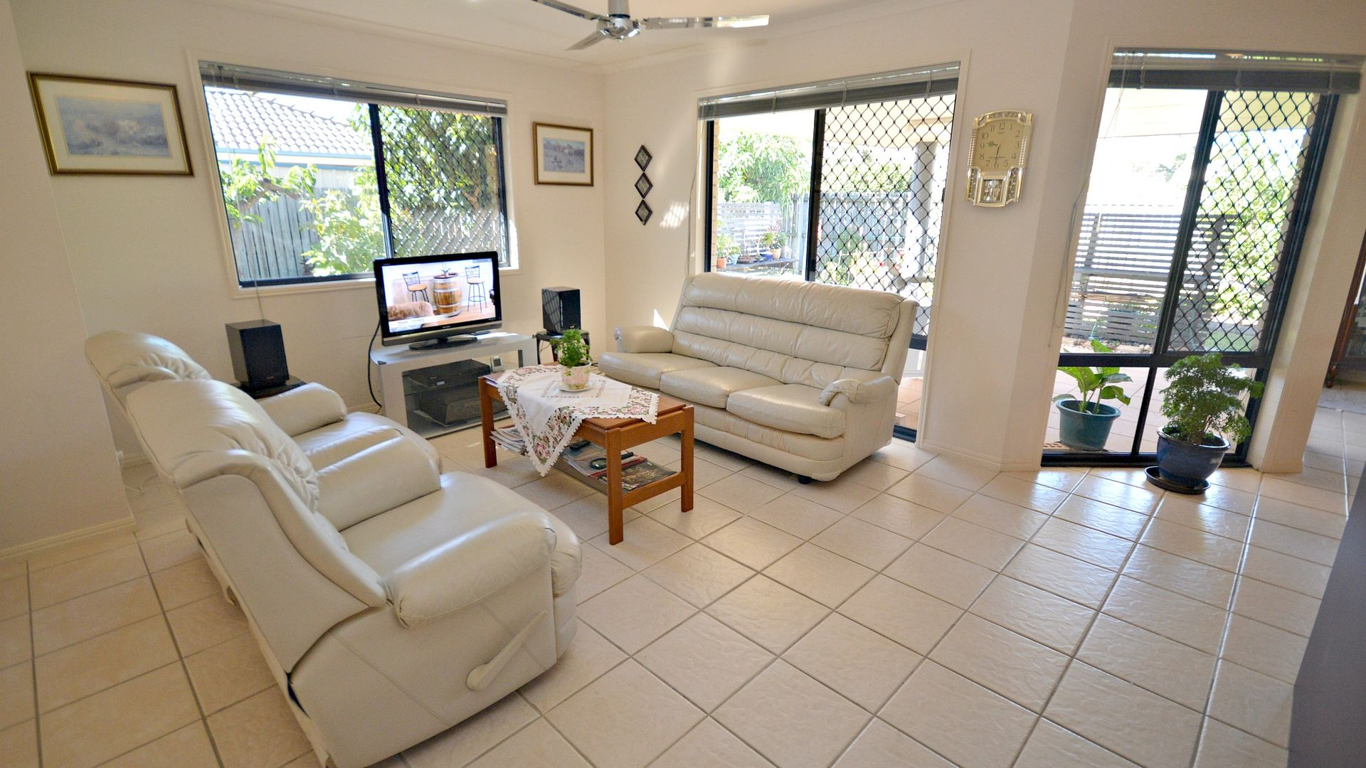 6 Florida Court, Torquay QLD 4655, Image 2