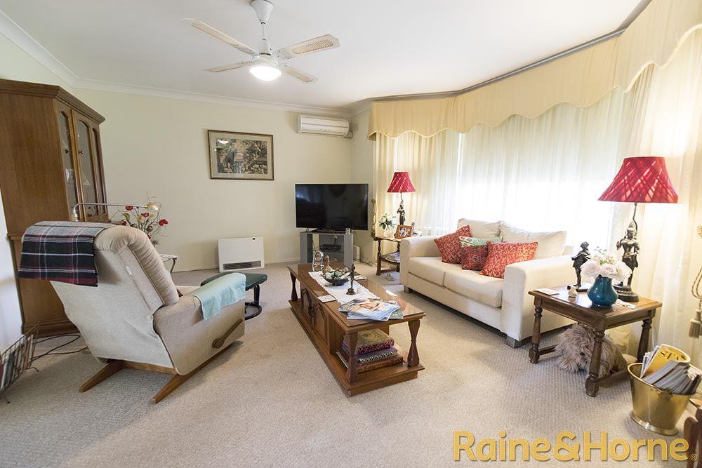 11 Margaret Crescent, Dubbo NSW 2830, Image 1