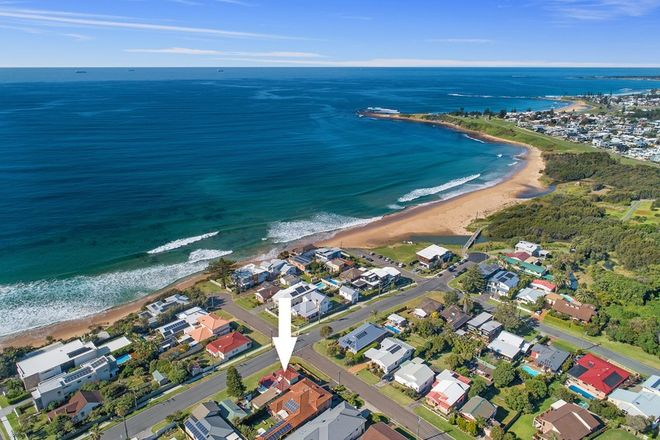 Picture of 10 Woodland Avenue, THIRROUL NSW 2515