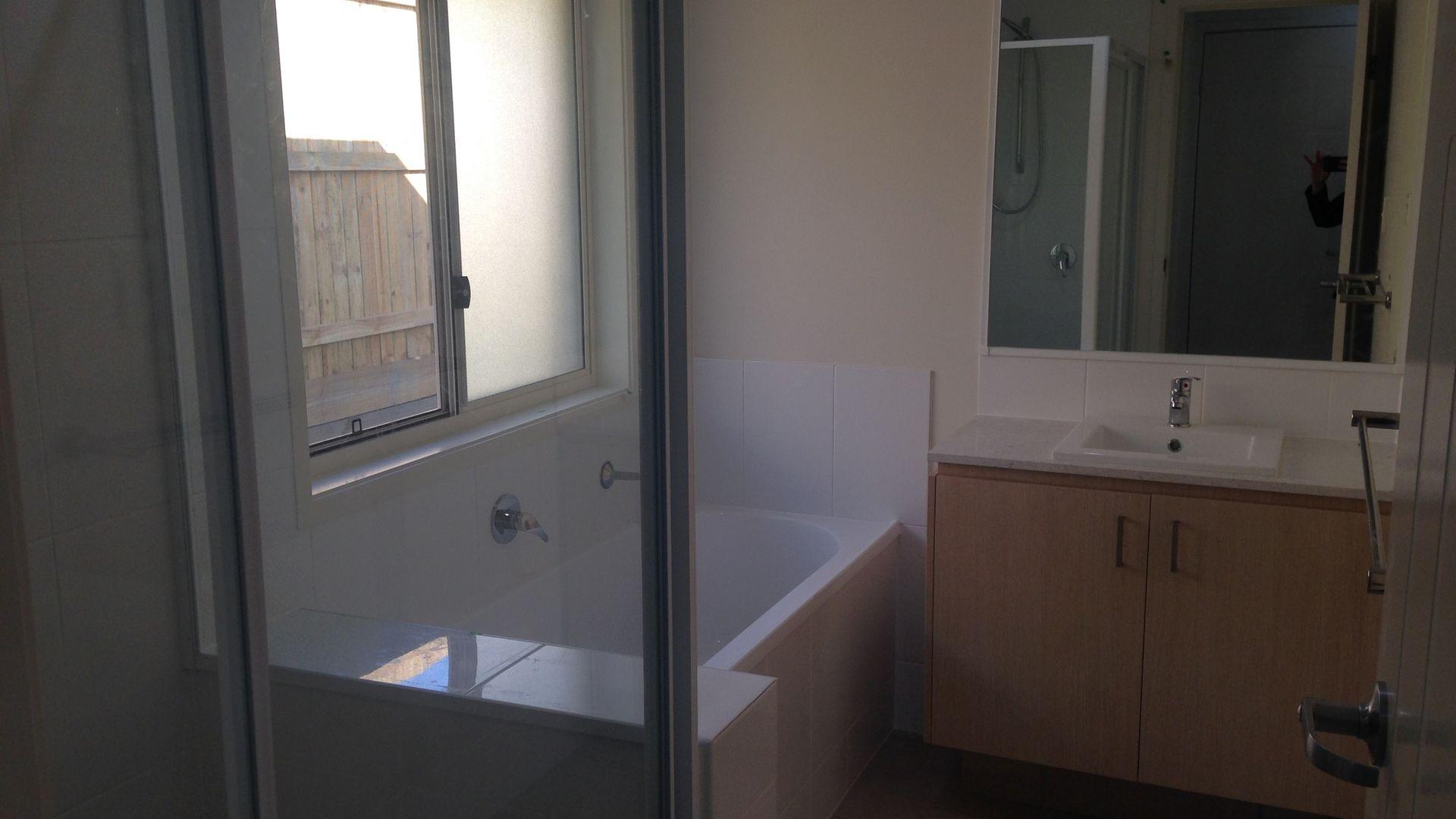 18 Hazel Street, Pimpama QLD 4209, Image 2