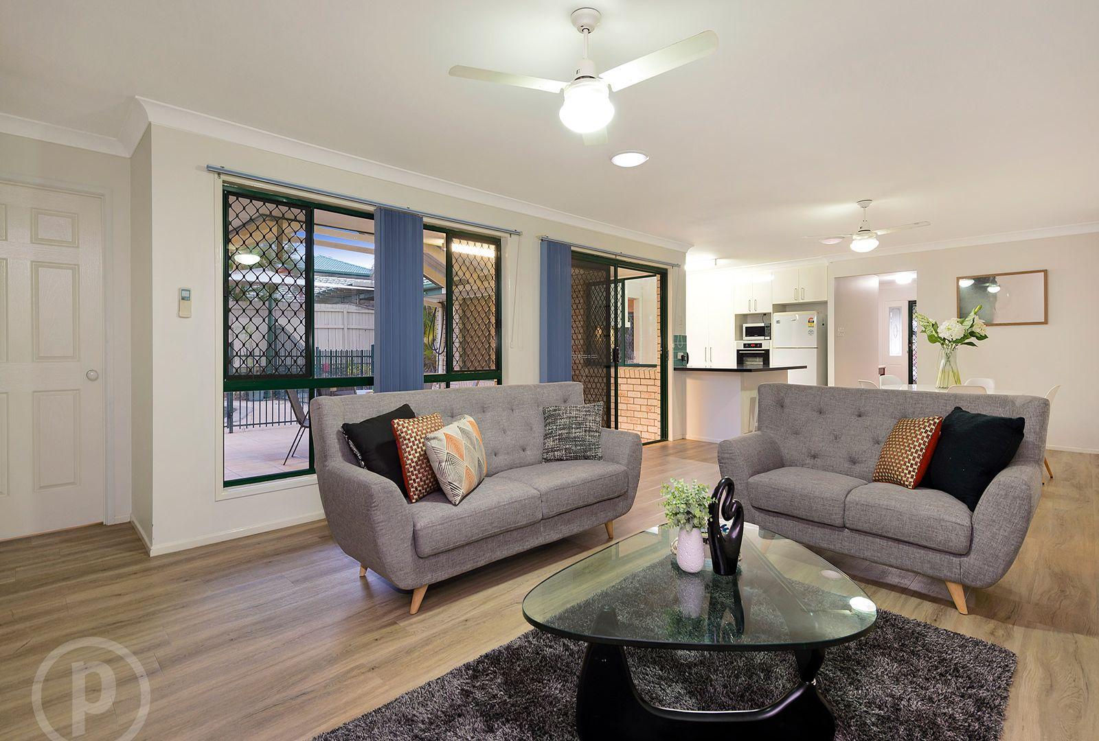 11 Curringa Street, Mansfield QLD 4122, Image 2