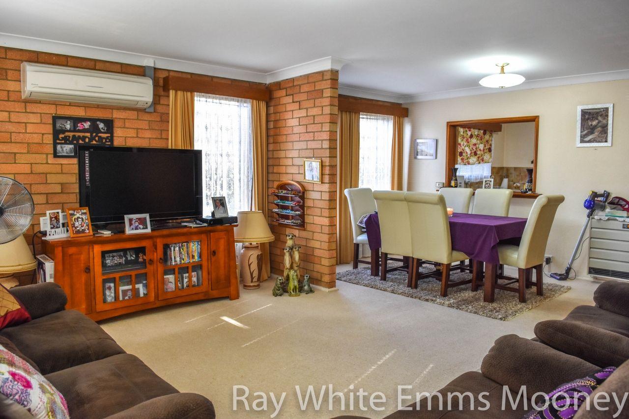 158 Seymour Street, Bathurst NSW 2795, Image 2