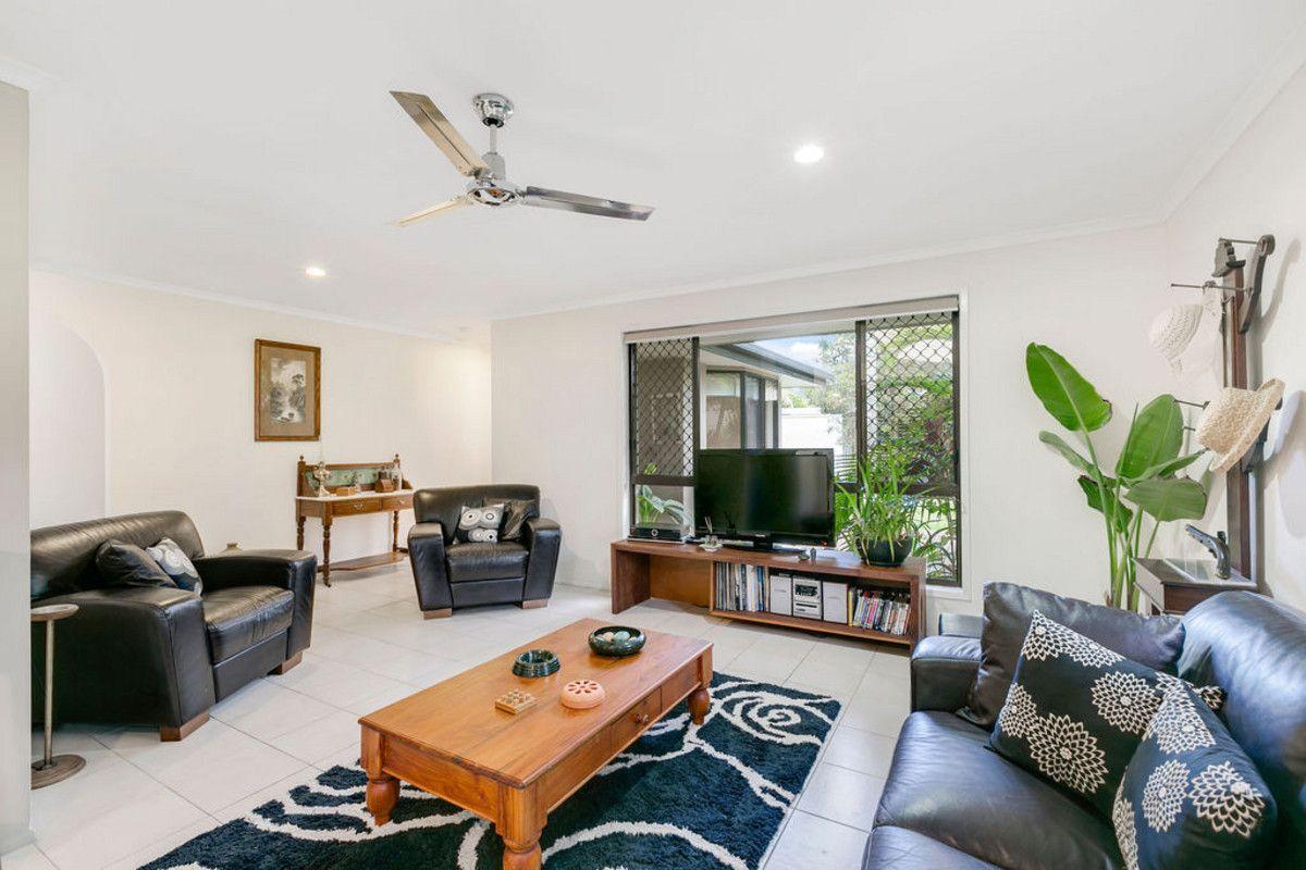 2 Richard Crescent, Highland Park QLD 4211, Image 1