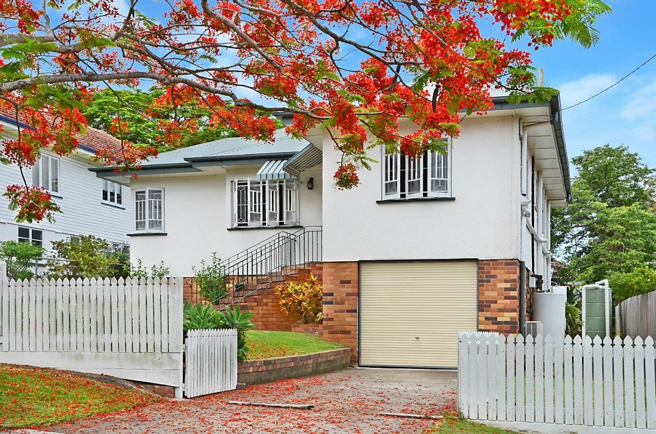 20 Iveagh Avenue, Holland Park West QLD 4121, Image 0