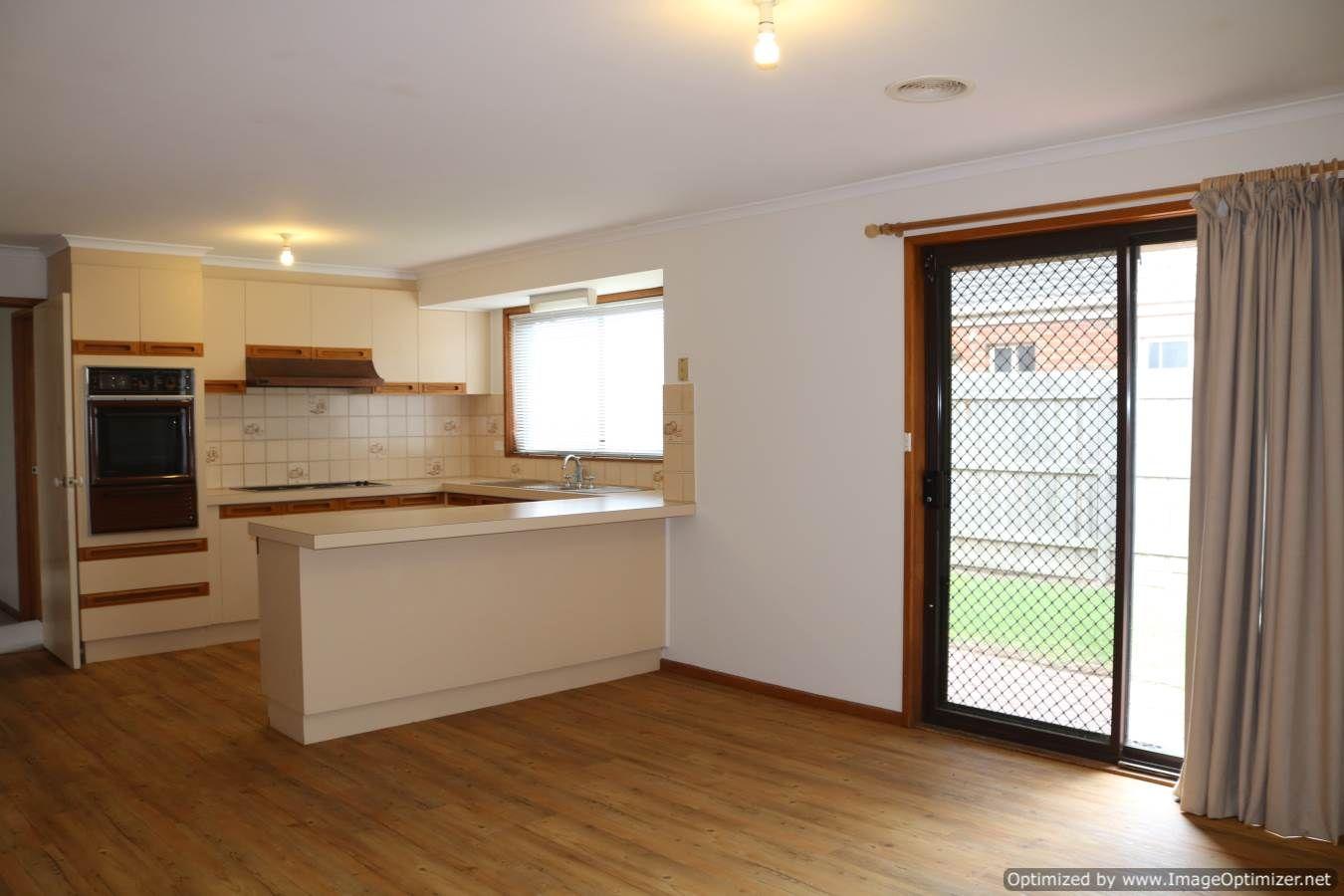 15 Creswell Court, Altona Meadows VIC 3028, Image 2
