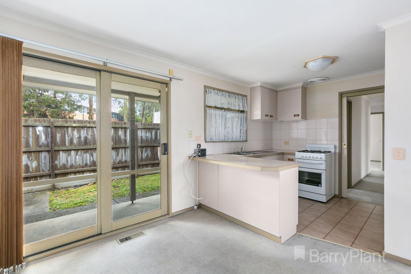 8/21-23 Cutts Avenue, Croydon VIC 3136, Image 2