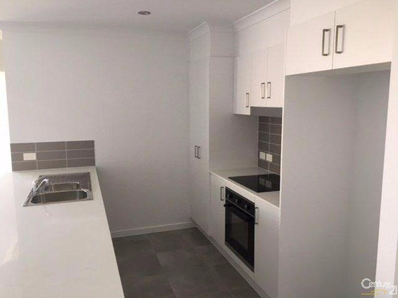 25 Teresa Street, Nikenbah QLD 4655, Image 2