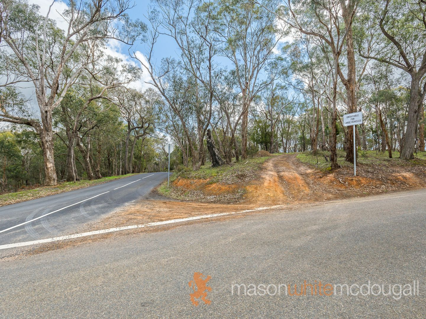 997 Buttermans Track, Christmas Hills VIC 3775, Image 2