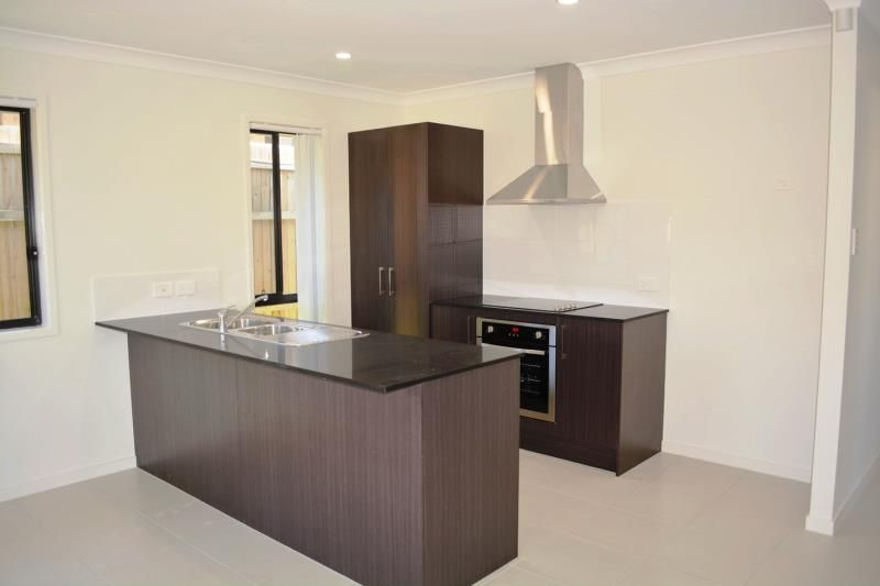 22 Mieka Crescent, Pimpama QLD 4209, Image 2